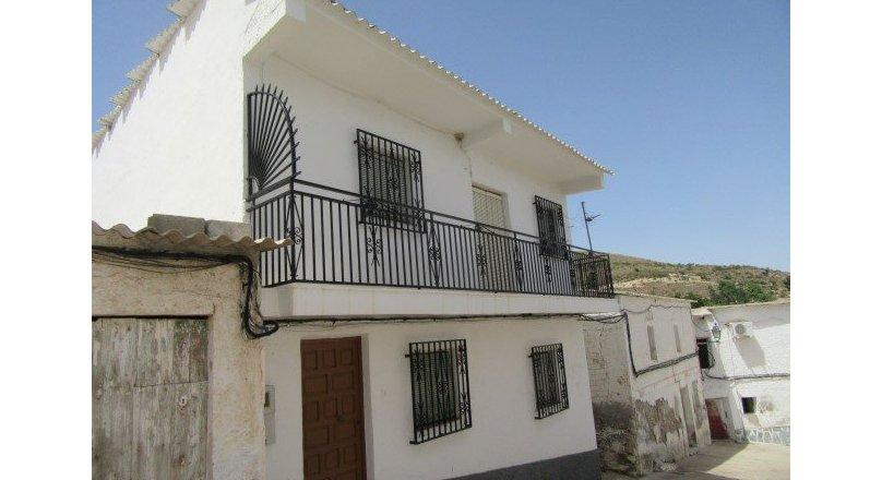 C0505 - Village house in Turon